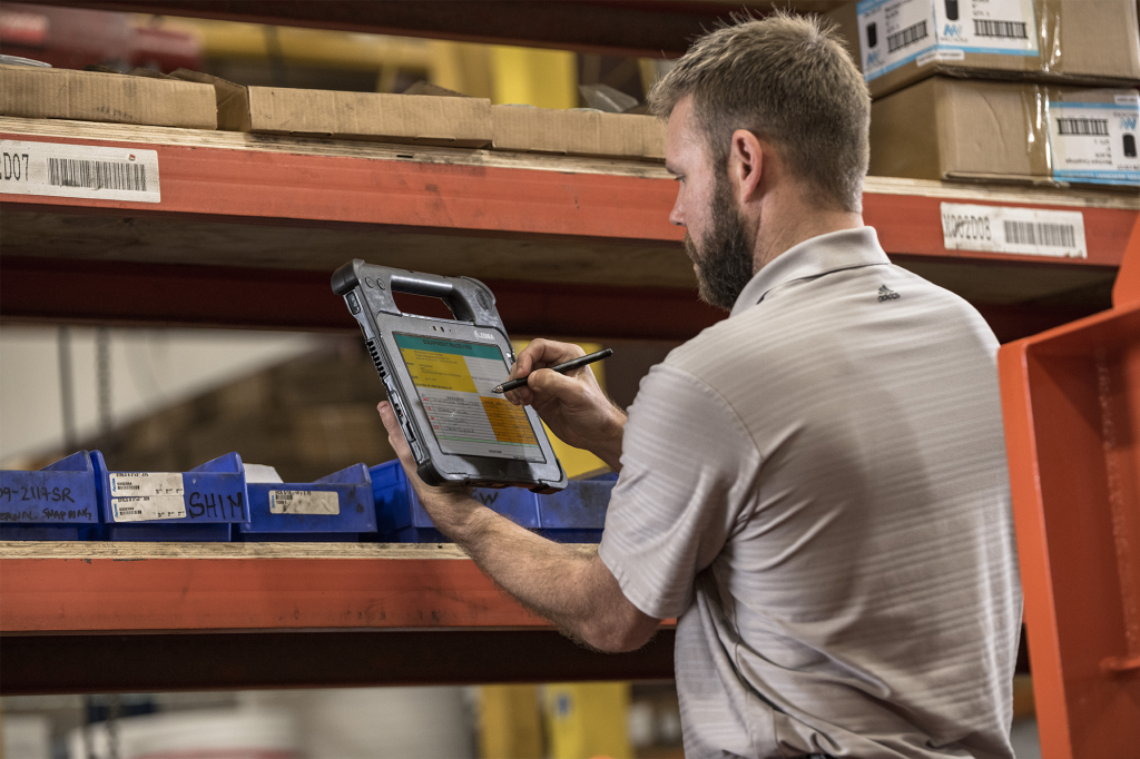 Inventory management in the warehouse with mobile handheld computers